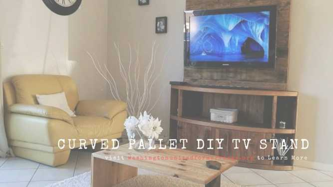 CURVED PALLET DIY TV STAND