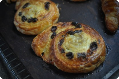 Pain aux raisin with bananas