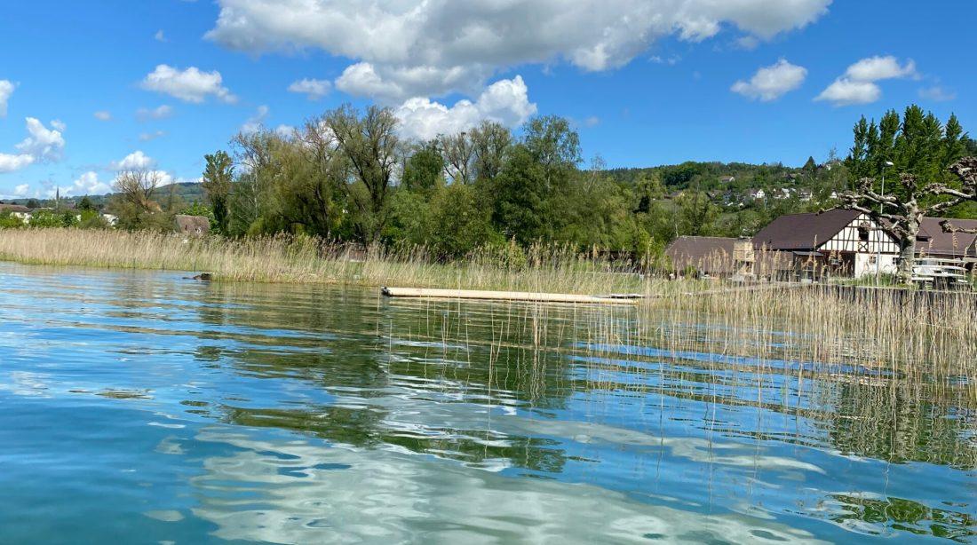 Zürichsee mit Wolke und Sicht auf das Land