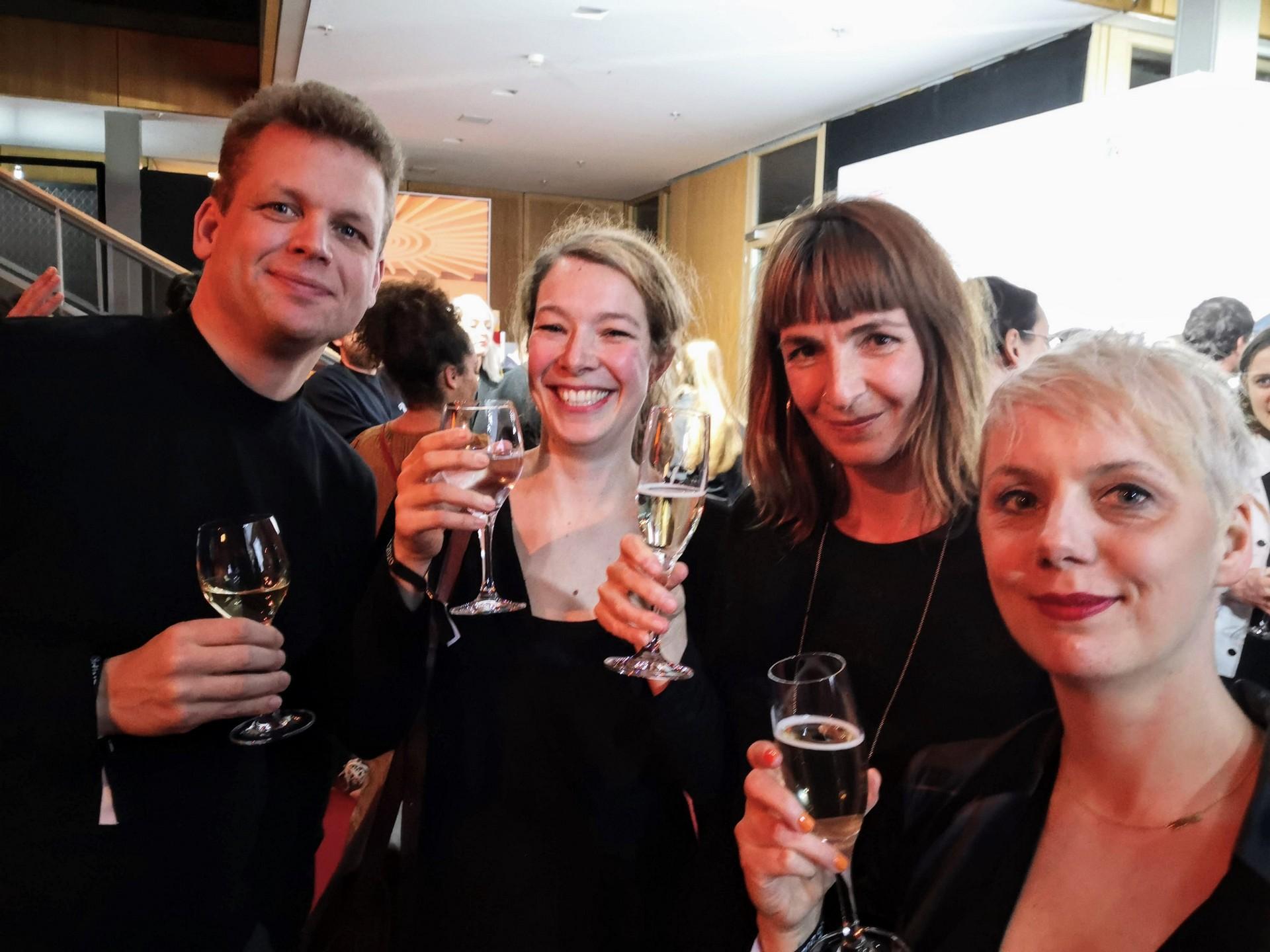Headautor Sönke Andresen mit Kollegin Tatjana Scheel (2.v.l.) sowie Claudia BAch (r.) und Zoé Jakob.
