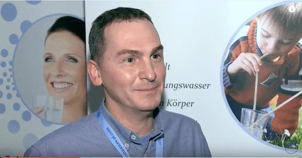 Wasser trinken - Maunawai Wasser: Interview mit Ewald Siegle.