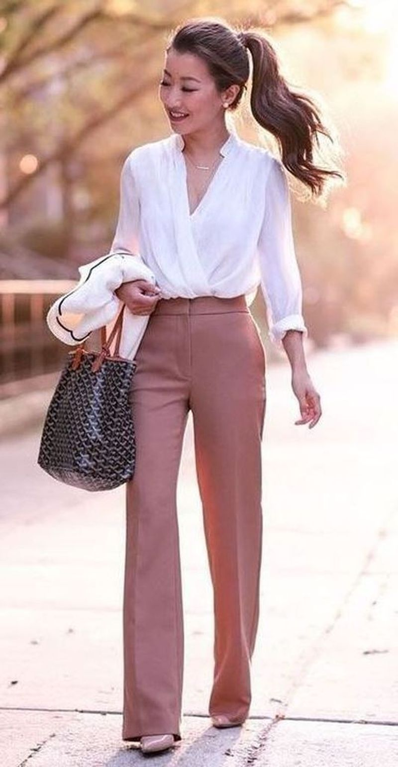 Casual Spring Work Outfits Ideas for Women