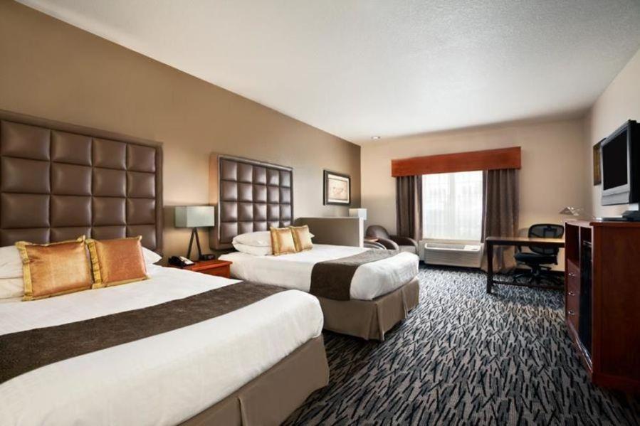 Host Hotel – Best Western Plus – Mountain View Auburn Inn, 401 8th St. SW Auburn WA 98001