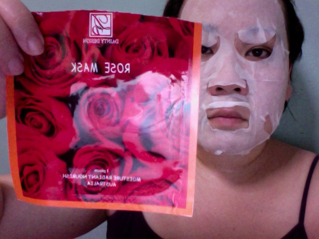 Dainty Design Rose Mask (Pre-moistened)