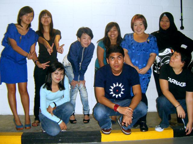 Junmin, Kai, Anisa, Licia, Dewi, Iman, Me, Jaja & Christie