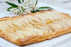 PEAR: Elegant vanilla-pear tart
