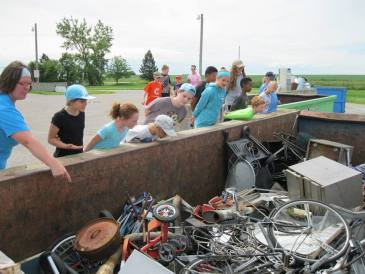 Landfill tour during public programs with the Waste Trac Education Team.