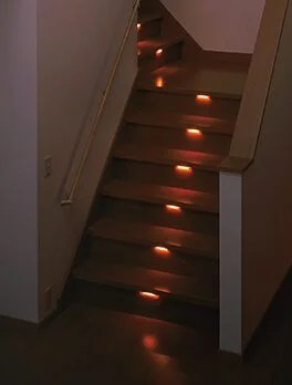 階段スポット灯