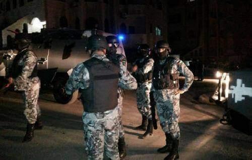 بالفيديو اعتقالات واسعة بالعشرات ما زالت مستمره حتى الآن