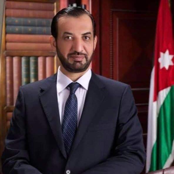 توفي بجلطة قلبية.. محمد نوح القضاة ينعى شقيقه هارون