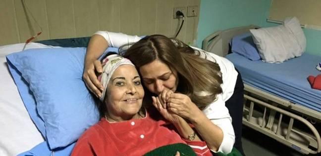 ليلى علوي: مديحة يسري إنسانة عظيمة.. كنت أدعوها ماما مديحة
