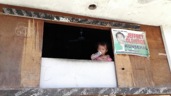 中国人墓地で出会った赤ちゃん