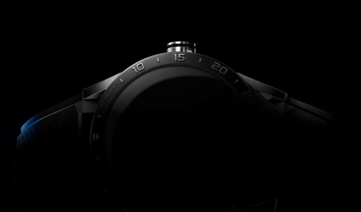 Tag Heuer Carrera Wearable 01 Teaser
