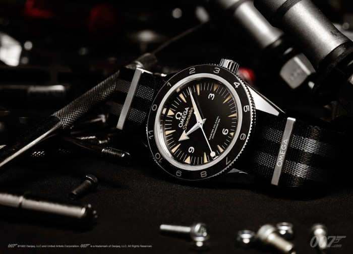 Omega-Seamaster-300-Spectre-4