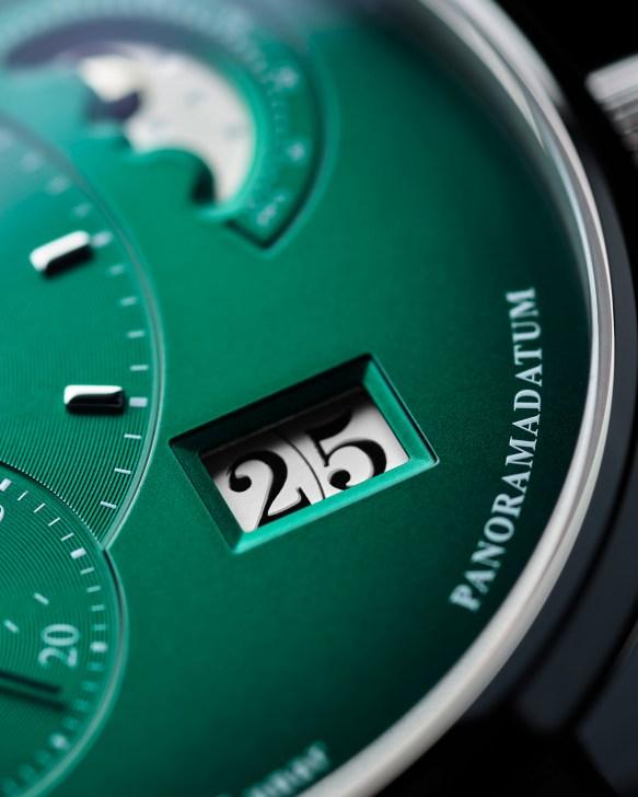 Glashütte Original PanoMaticLunar forest green-dial-detail-date