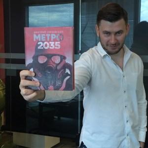 Beszélgetés Dmitry Glukhovskyval a Metró 2035-ről -Az elnyomás lélektana
