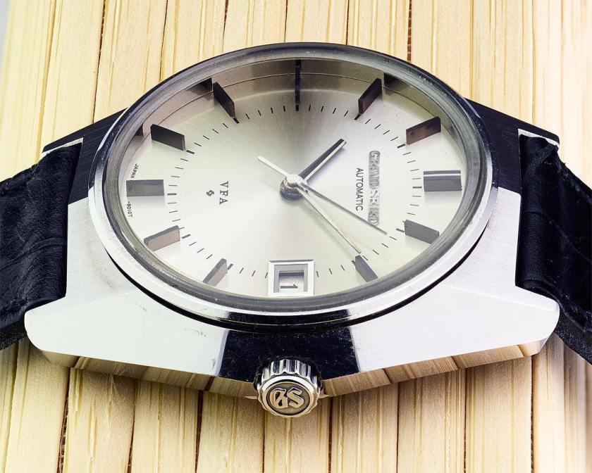 Grand Seiko 6185-8021-G side profile