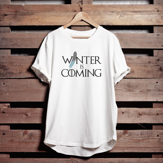 got-t-shirt-on-wood-winter-is-coming