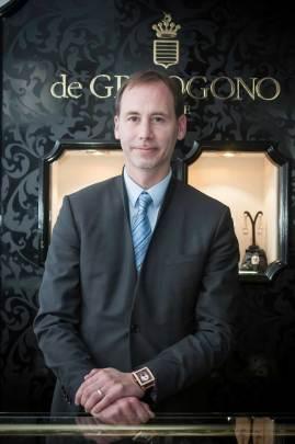 """""""de Grisogono es una marca de la que te enamoras al momento de tocar la calidad de sus productos. La manufactura, el diseño y el estilo único de las piezas de alta relojería y joyería son muy apreciados en los países del sur, pues comparten un estilo de vida audaz"""": Nicolas Abboud CEO de de Grisogono"""