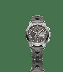Cronometrador oficial del Grand Prix de Monaco Historique desde 2002, Chopard ha creado el modelo Grand Prix de Monaco Historique en titanio. Su carátula es gris y deportiva, el movimiento es visible en el reverso donde también se aprecia gravado el logotipo del Monaco Automobile Club. Cronómetro certificado por el COSC.