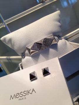 Spiky de Messika, la colección que ha llamado poderosamente la atención debido a que coloca en forma piramidal los diamantes.