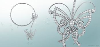 La gargantilla Flying Butterfly en oro blanco y diamantes puede desprenderse y ser utilizada solo como prendedor.