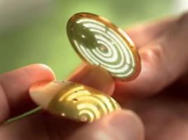 Inclusión de la lámina de oro
