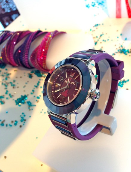Uno de los modelos más exitosos de la línea de relojes ha sido reinterpretado, el nuevo Octea Abyssal, luce espectacular gracias a su nueva configuración de materiales y colores: caucho y cristales para la correa, púrpura para el conjunto.