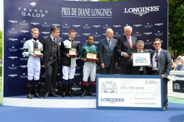 Ceremonia de premiación del Prix Longines Future Racing Stars // Bertrand Bélinguier, Chairman de France Galop, Walter von Känel, Presidente de Longines y Juan-Carlos Capelli, Vicepresidente y Director de Marketing de Longines.