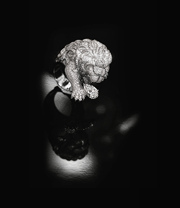 Lion Rugissant // Anillo de oro blanco y diamantes