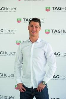 Ronaldo_2_small-449x675