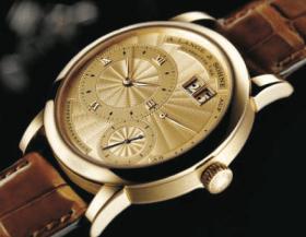 Lange 1A, por su particular carátula guilloché de oro es uno de los más raros y por ende cotizados de la relojería de Sajonia.