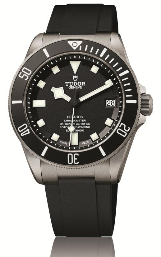 25600TB-TUDOR-PELAGOS-BLACK-PACKSHOT