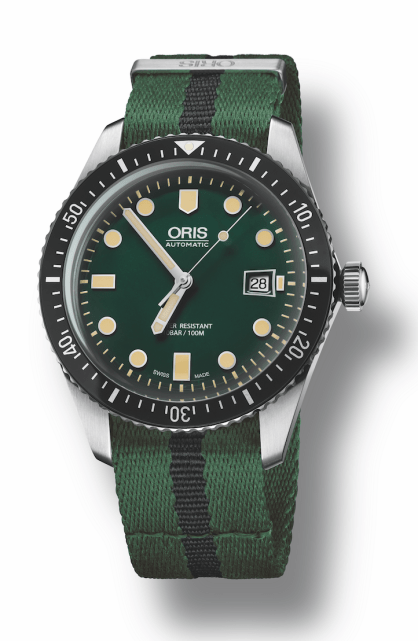 divers-sixty-five-green-dial-oris-2