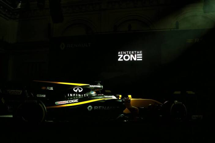 Bell-Ross-Renault-F1-2017-11