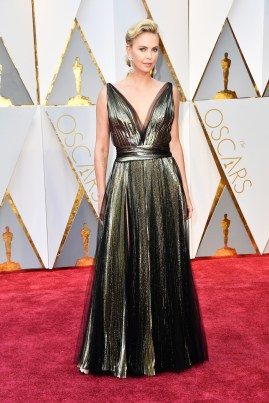 Charlize-Theron-wearing-Chopard-to-the-89th-Academy-Awards-2