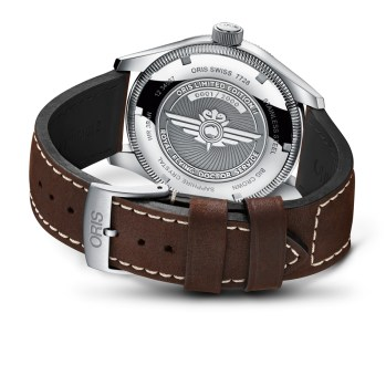 01-735-7728-4084-Set-LS---Oris-Royal-Flying-Doctor-Service-Limited-Edition-II_HighRes_6425