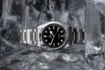 TUDOR-Heritage-Black-Bay-41-7