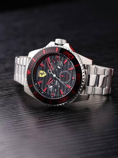 Scuderia-Ferrari-Movado-2018-2