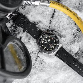 Ice-Diving-with-Pelagos-10