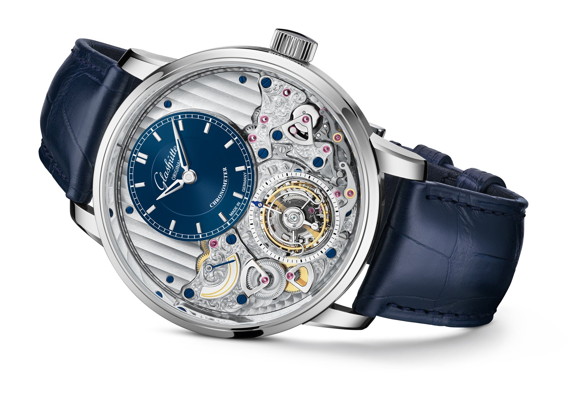 Today Glashütte Original presents Alfred Helwig's invention in an advanced and highly sophisticated version - the Glashütte Original Senator Chronometer Tourbillon – Limited Edition.
