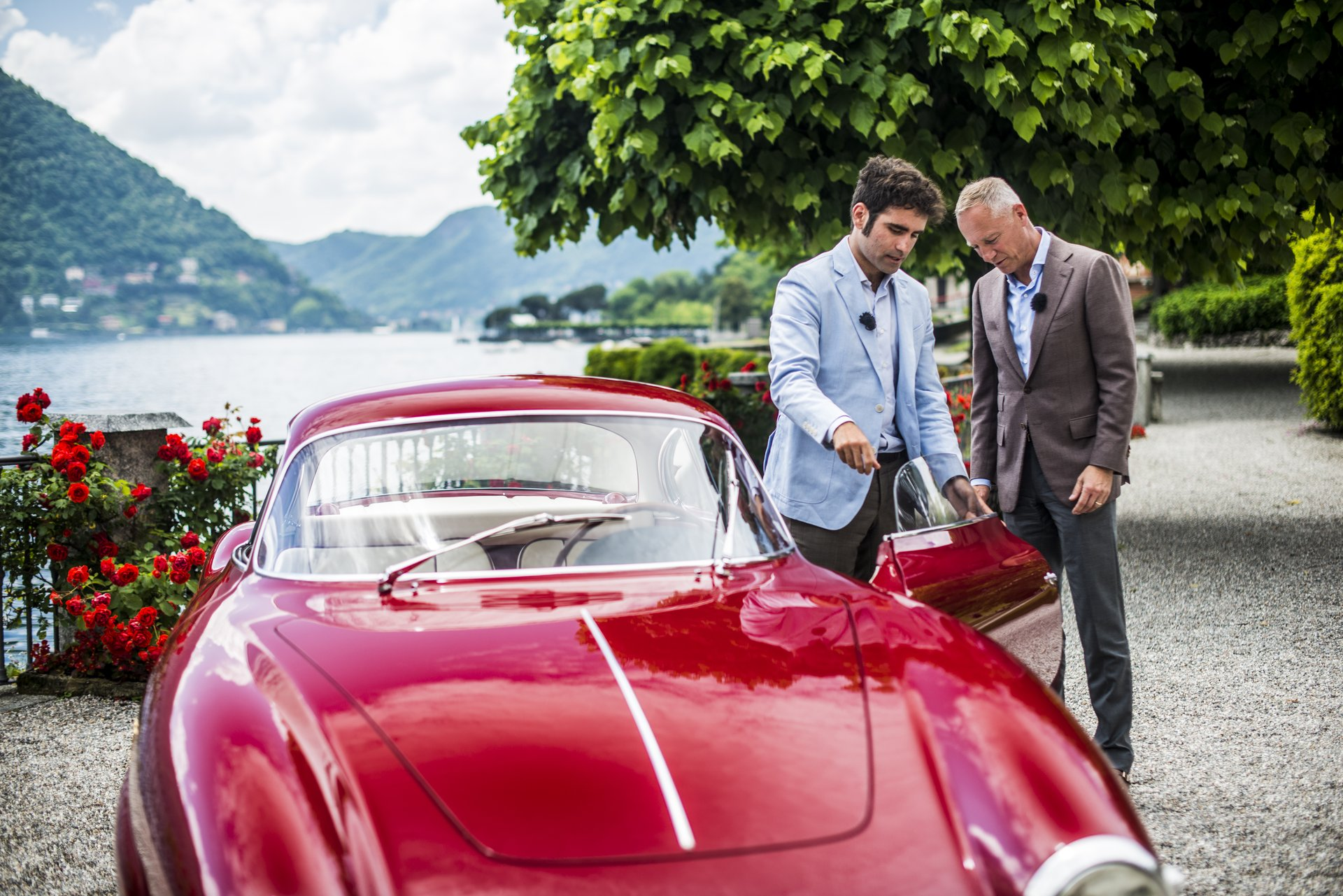 "From 24 to 26 May 2019, A. Lange & Söhne will once again sponsor the Concorso d'Eleganza Villa d'Este, which has taken place at the Grand Hotel Villa d'Este in Como, Italy since 1929. For the eighth time, a one-off LANGE 1 TIME ZONE will be awarded to the winner of the ""Best of Show"" competition."