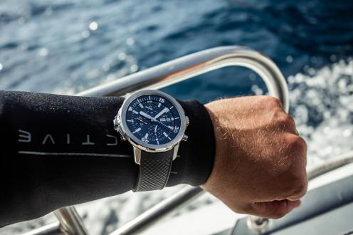 The image shows Pierre-Yves Cousteau, marine conservationist and founder of Cousteau Divers, wearing a IW376805 Aquatimer Chronograph Edition Expedition Jacques-Yves Cousteau (Photo by Remy Steiner for IWC). The image shows Pierre-Yves Cousteau, marine conservationist and founder of Cousteau Divers, wearing a IW376805 Aquatimer Chronograph Edition Expedition Jacques-Yves Cousteau (Photo by Remy Steiner for IWC).