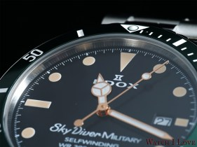 EDOX-SkyDiver-Military-dial-detail-up-2