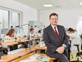 25th anniversary: owner Lothar Schmidt has successfully managed the Sinn Spezialuhren company since 1 September 1994.