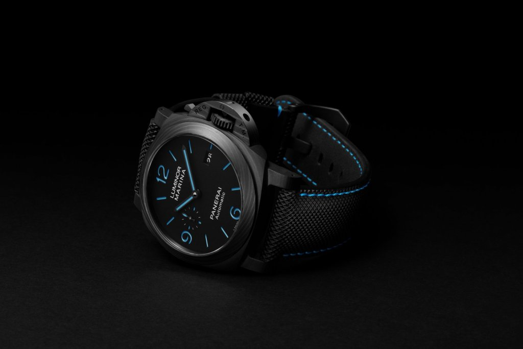 Panerai Luminor Marina Carbotech™ – 44 mm PAM01661