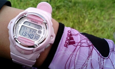 girls pink g-shock watch