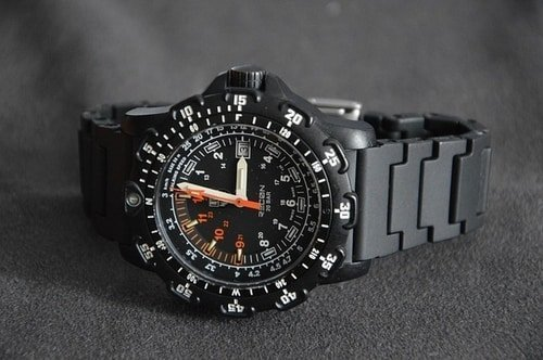 modern tactical field watch