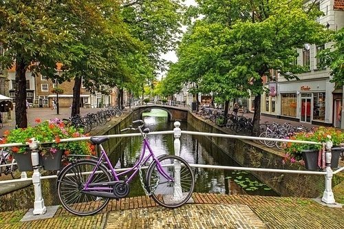bike and amsterdam canal