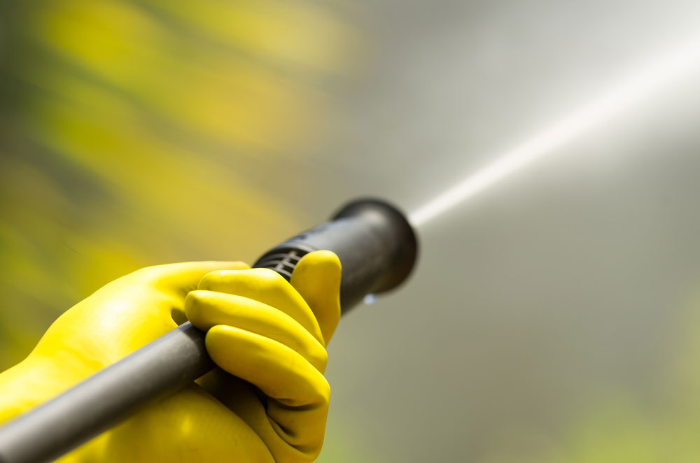 How To Clean Your Garbage Bin Using Pressure Washer